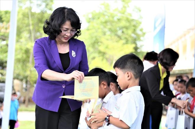 Hành trình 10 năm và 31,5 triệu ly sữa đến với 400 ngàn trẻ em Việt Nam - Ảnh 1.