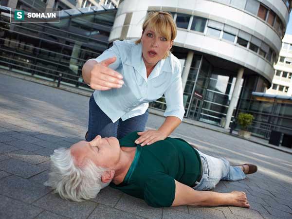 Sơ cứu rất quan trọng, nếu mắc sai lầm này thì sơ cứu còn nguy hiểm cho người bị tai nạn - ảnh 3