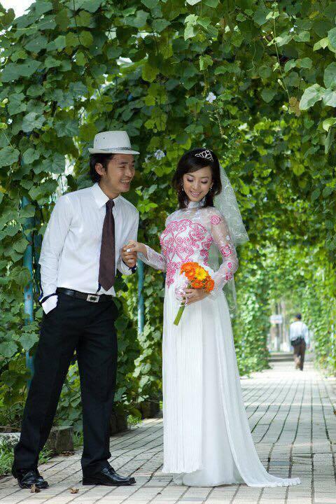Ảnh cưới 6 năm trước của hoa hậu hài Thu Trang và Tiến Luật - Ảnh 2.