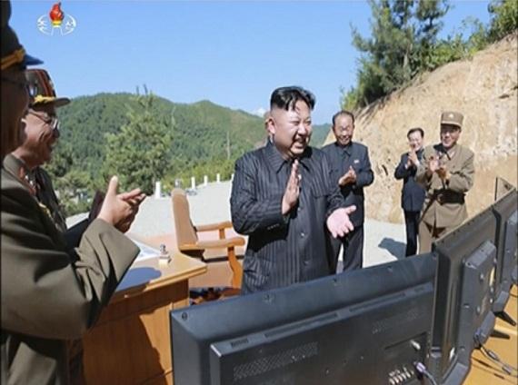 Ông Kim Jong Un - Người đưa Triều Tiên trở thành sự thách thức với cả Mỹ và Trung Quốc - Ảnh 1.