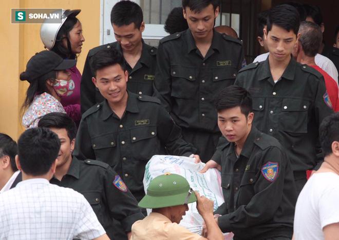 19 cán bộ, chiến sỹ phấn khởi khi được thả, dân Đồng Tâm hân hoan vì không bị xử lý hình sự - Ảnh 7.