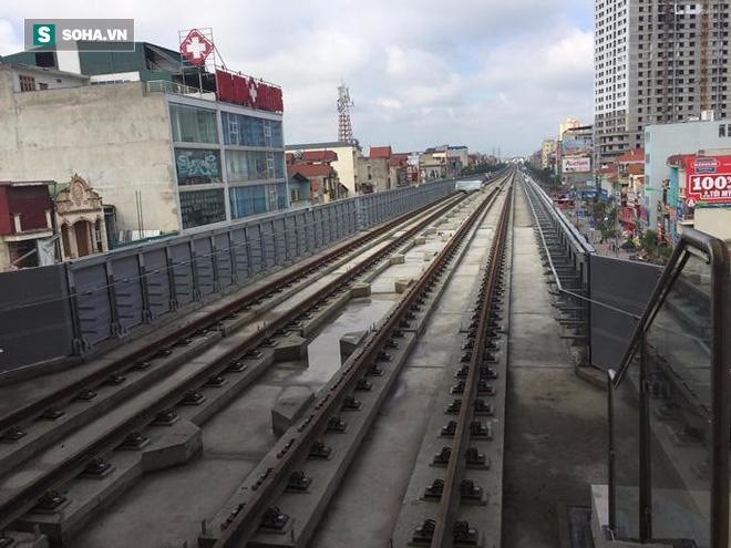 Cận cảnh nhà ga, tàu đường sắt trên cao Cát Linh - Hà Đông - ảnh 23
