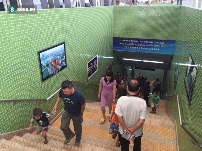 Cận cảnh nhà ga, tàu đường sắt trên cao Cát Linh - Hà Đông - ảnh 2