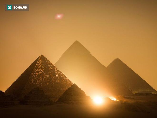 5 chứng cứ  cho giả thuyết: Người Ai Cập cổ đại có liên hệ với người ngoài hành tinh - Ảnh 1.