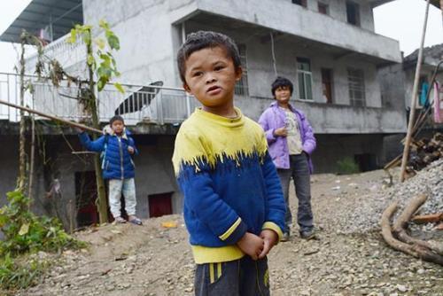 Cậu bé nghèo biến thành cỗ máy kiếm tiền, tấn công làng giải trí nhờ giống hệt Jack Ma - Ảnh 11.