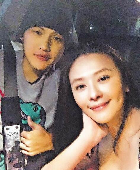Ngôi sao Đài Loan kết hôn với tài xế Uber kém 15 tuổi - Ảnh 1.