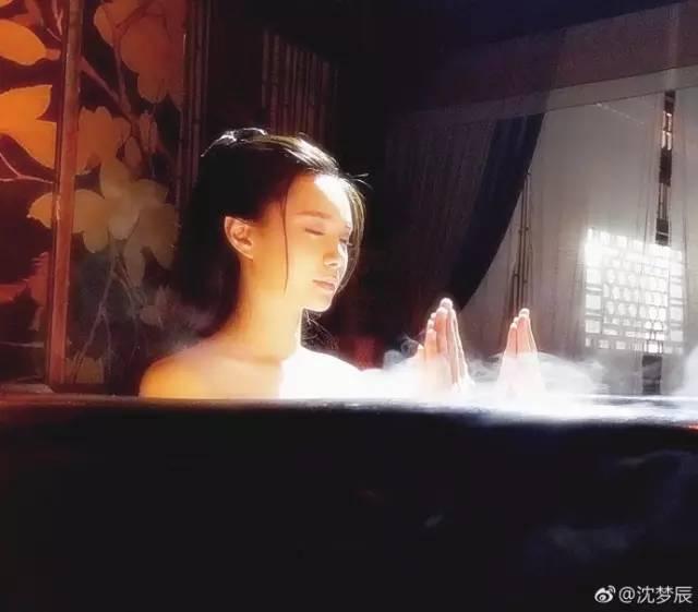 Sự thật hài hước sau nhưng cảnh nóng nhất phim Hoa ngữ - Ảnh 2.