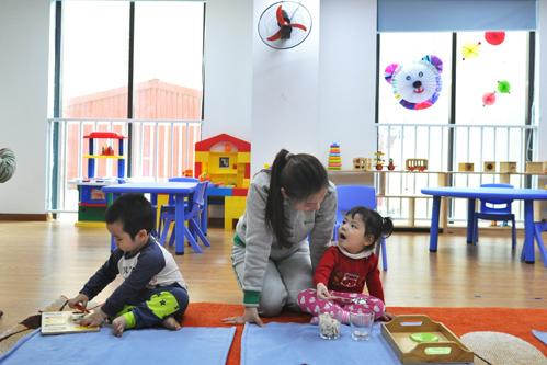 Clip dạy trẻ tập đếm và chuyện con hư cô giáo không được phép phạt - Ảnh 3.