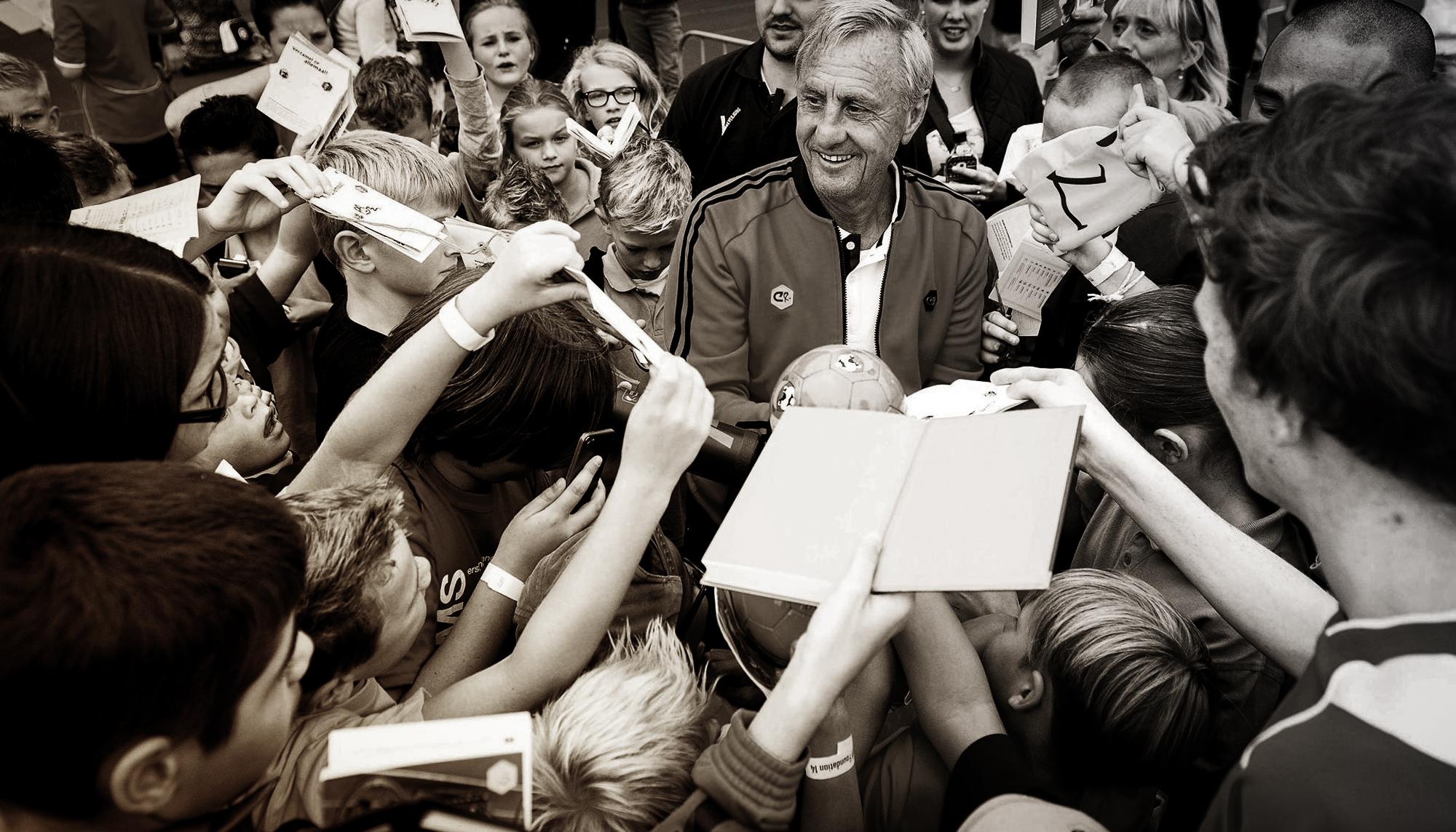 Johan Cruyff: Chỉ thành công thôi là chưa đủ! - Ảnh 5.