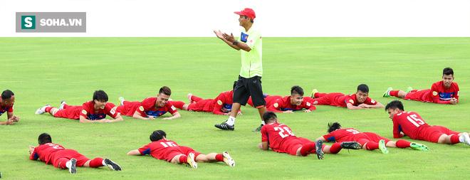 Ai nói bóng đá Việt Nam tồi tệ, giơ tay lên! 1