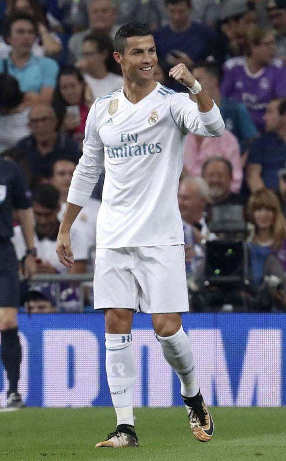 Đã lâu lắm rồi, nụ cười ấy mới xuất hiện lại trên môi Ronaldo! - Ảnh 2.