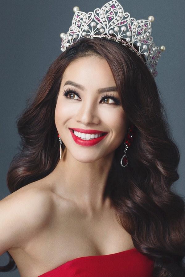 Hoa hậu Phạm Hương: Tôi vẫn tự tay giặt đồ, dọn nhà - Ảnh 1.