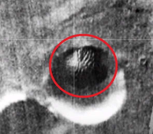 Video: Nghi vấn đĩa bay của người ngoài hành tinh bị rơi trên sao Hỏa - Ảnh 3.