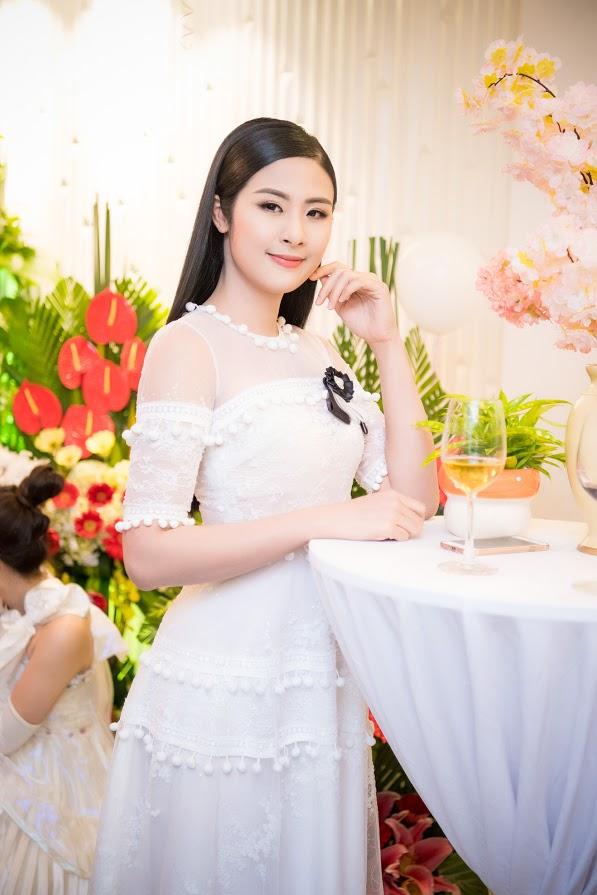 Ca sĩ Ngọc Anh ngày càng xinh đẹp, nổi bật - Ảnh 5.