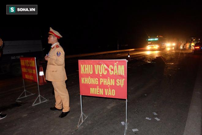 Hiện trường vụ nổ xe khách khiến 2 người tử vong ở Bắc Ninh - Ảnh 7.