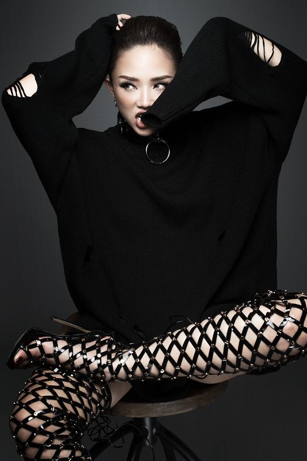 Tóc Tiên hủy nhiều show diễn để tập trung làm HLV The Voice - Ảnh 2.