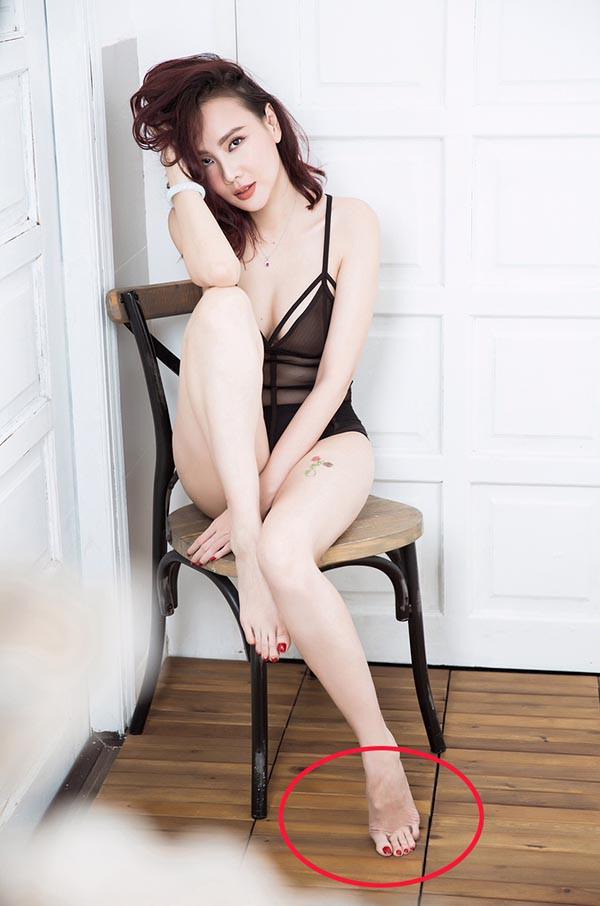 Lỗi hài hước gây cười trong bộ ảnh bikini nóng bỏng của Dương Yến Ngọc - Ảnh 1.