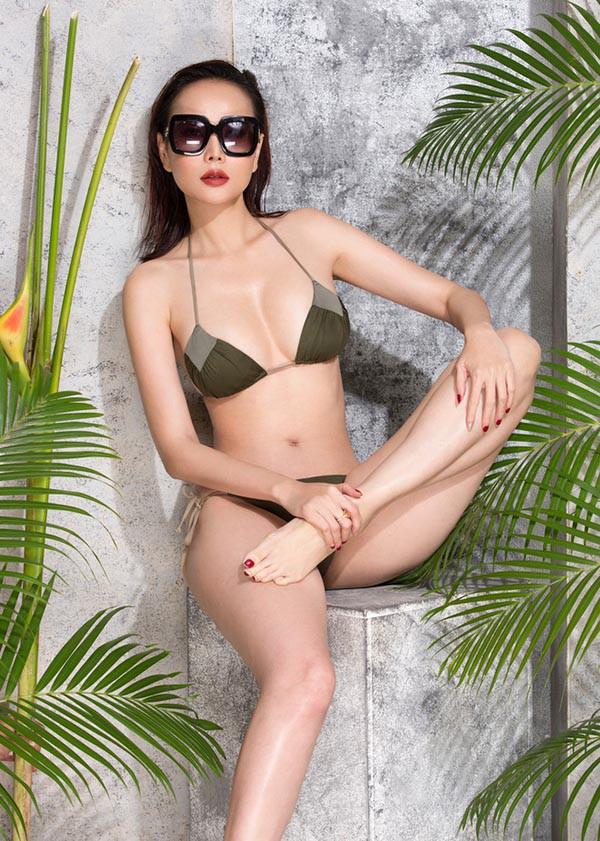 Lỗi hài hước gây cười trong bộ ảnh bikini nóng bỏng của Dương Yến Ngọc - Ảnh 6.