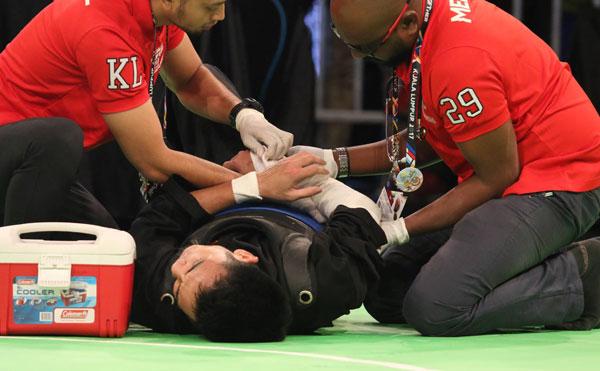 Việt Nam và những lần vì trọng tài mà khóc trước bục cao nhất tại SEA Games 29 - Ảnh 3.