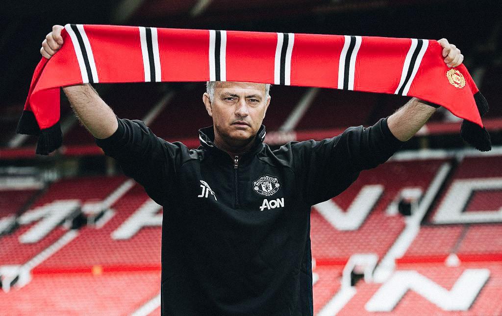Mourinho, Pep & đại chiến Manchester: Đàn ông đích thực còn cần cả kẻ thù nữa! - Ảnh 13.