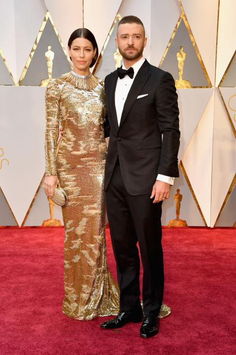 Thảm đỏ Oscar 2017: Mỹ nhân 50 Sắc Thái mờ nhạt dù mặc toàn đồ hiệu - Ảnh 12.