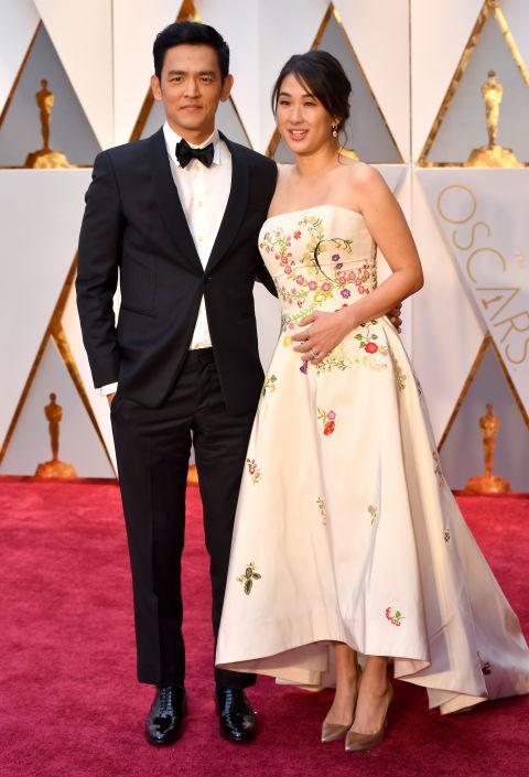 Thảm đỏ Oscar 2017: Mỹ nhân 50 Sắc Thái mờ nhạt dù mặc toàn đồ hiệu - Ảnh 14.