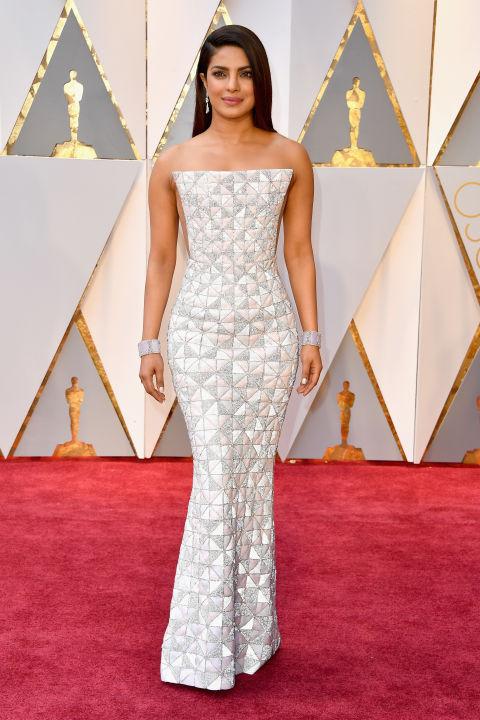 Thảm đỏ Oscar 2017: Mỹ nhân 50 Sắc Thái mờ nhạt dù mặc toàn đồ hiệu - Ảnh 26.