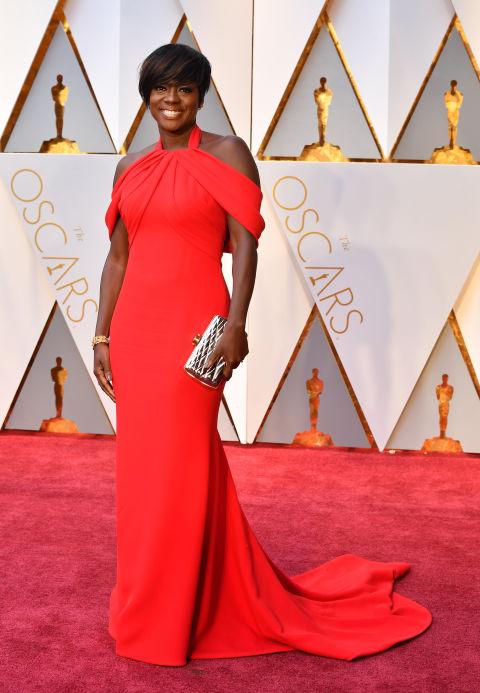 Thảm đỏ Oscar 2017: Mỹ nhân 50 Sắc Thái mờ nhạt dù mặc toàn đồ hiệu - Ảnh 28.