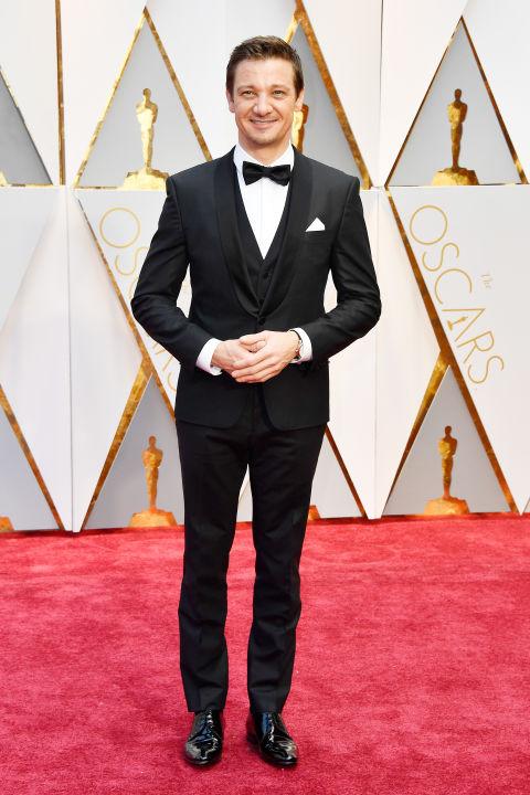 Thảm đỏ Oscar 2017: Mỹ nhân 50 Sắc Thái mờ nhạt dù mặc toàn đồ hiệu - Ảnh 34.
