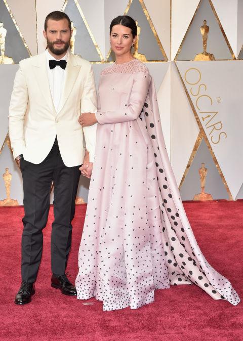 Thảm đỏ Oscar 2017: Mỹ nhân 50 Sắc Thái mờ nhạt dù mặc toàn đồ hiệu - Ảnh 37.