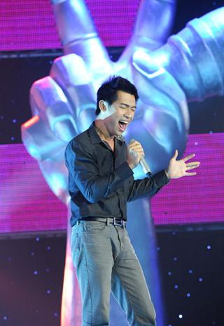 Giám khảo sửng sốt trước thí sinh nam hát giọng nữ, dám đấu giọng với Thu Minh - Ảnh 8.
