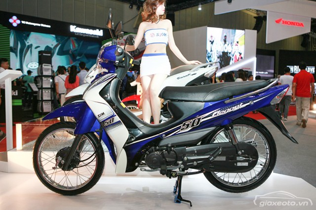 Cận cảnh chiếc xe máy có giá rẻ nhất Việt Nam - Ảnh 8.