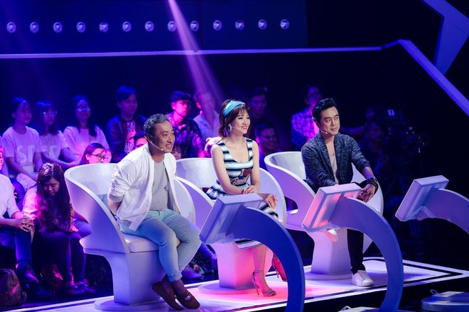 Hồ Quỳnh Hương lên tiếng vụ bức xúc không được ngồi ghế giữa giống Hari Won - Ảnh 1.