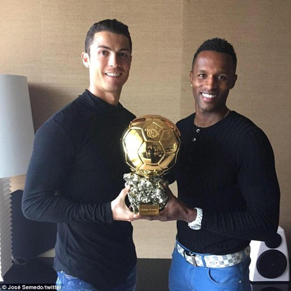 Chàng trai cơ bắp được Ronaldo gọi với lời lẽ trìu mến là ai? - Ảnh 2.