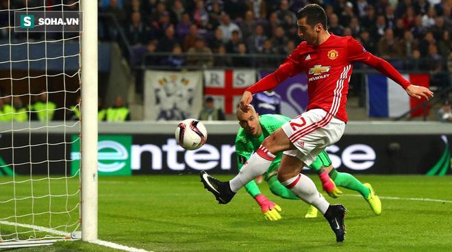 Sau sự dũng cảm phi thường, Mourinho sẽ quay lại với sự hèn nhát quen thuộc? - Ảnh 3.