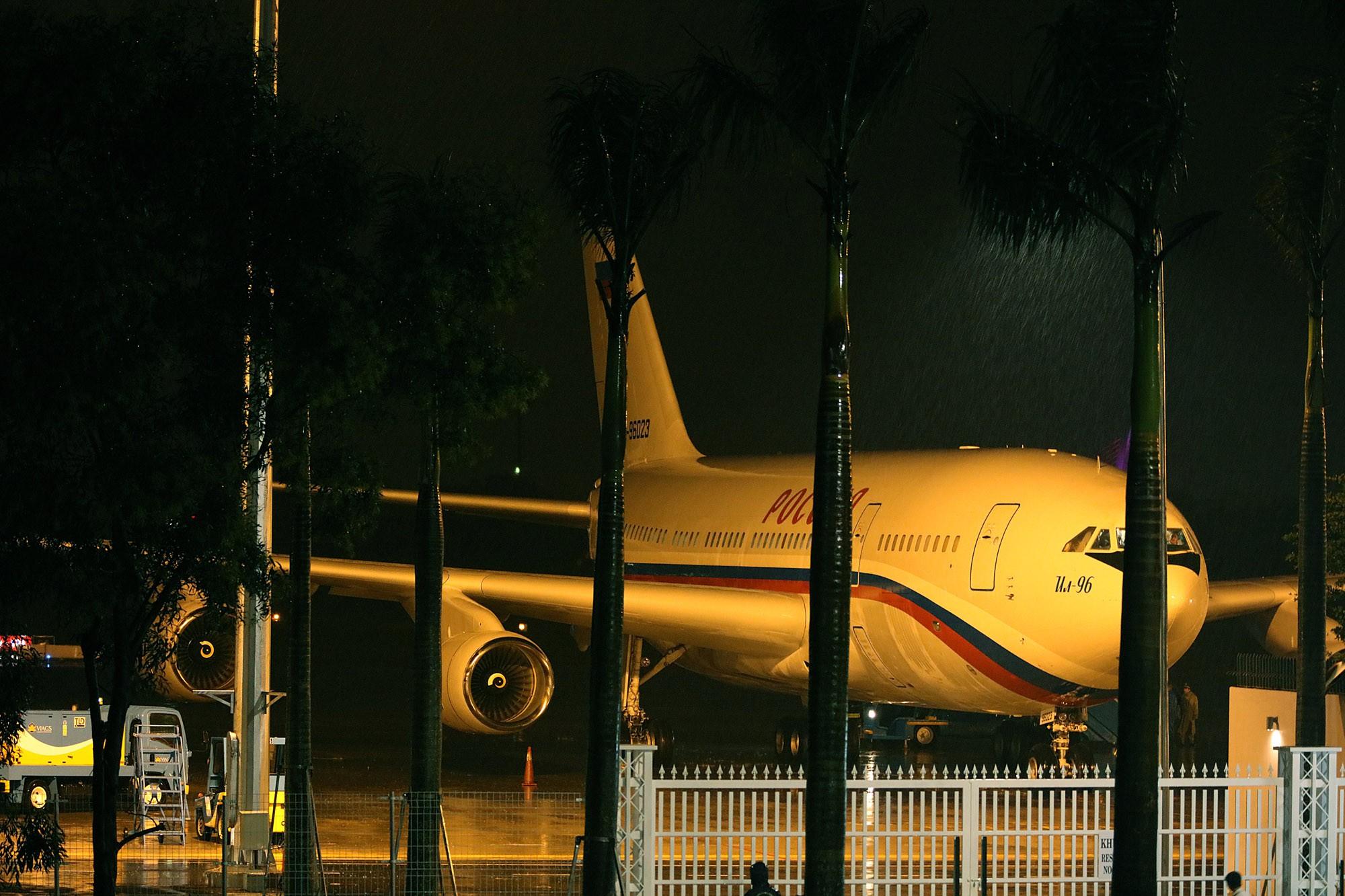 [PHOTO ESSAY] Toàn cảnh Đà Nẵng chạy đua với bão chuẩn bị cho khai mạc APEC - Ảnh 27.