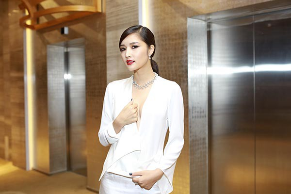 Cuộc sống của Hoa hậu Việt đầu tiên trả lại vương miện - Ảnh 3.