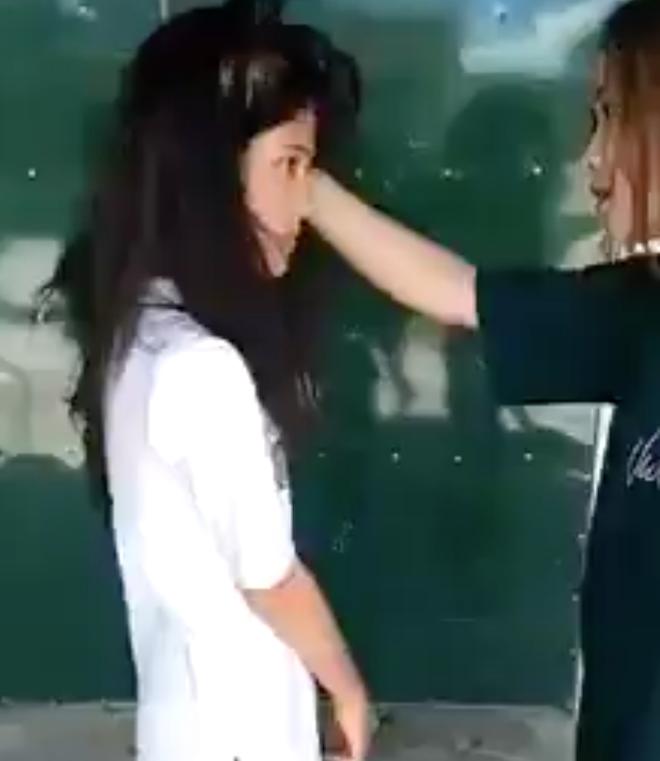 Triệu tập nhóm thiếu nữ đánh hội đồng nữ sinh, quay clip tung lên mạng - ảnh 2