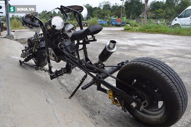 Cận cảnh chiếc mô tô độ cả súng đại liên, băng đạn vừa bị CSGT Đà Nẵng bắt giữ - ảnh 9