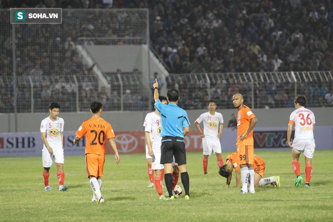 Vô địch Đông Nam Á, nhưng Kiatisak còn lâu mới bằng được Hữu Thắng - Ảnh 3.