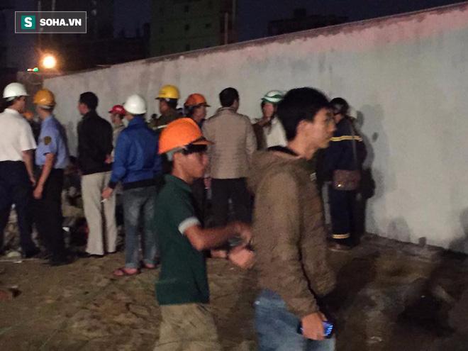 [NÓNG] Sập công trình ở Đà Nẵng, 5 người được đưa ra ngoài