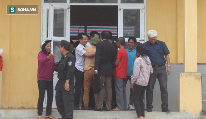 19 cán bộ, chiến sỹ phấn khởi khi được thả, dân Đồng Tâm hân hoan vì không bị xử lý hình sự - Ảnh 1.