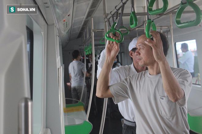 Cận cảnh nhà ga, tàu đường sắt trên cao Cát Linh - Hà Đông - ảnh 14
