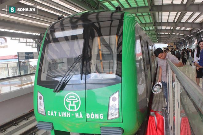 Cận cảnh nhà ga, tàu đường sắt trên cao Cát Linh - Hà Đông - ảnh 8