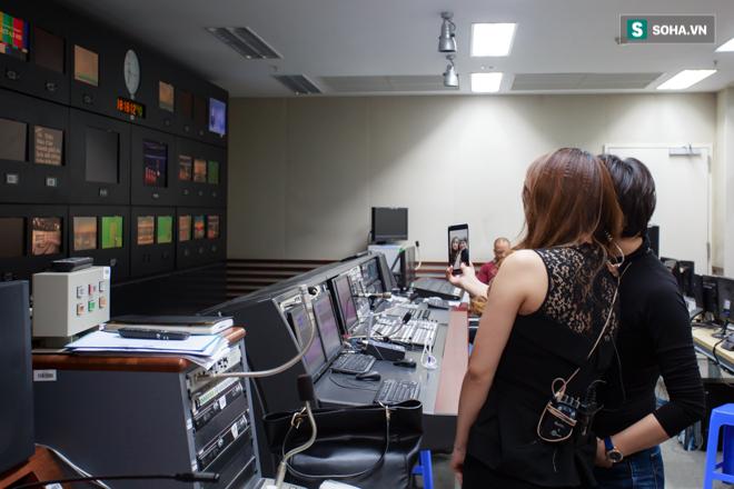 Cận cảnh buổi làm việc cuối cùng của BTV Trúc Mai tại VTV - Ảnh 2.
