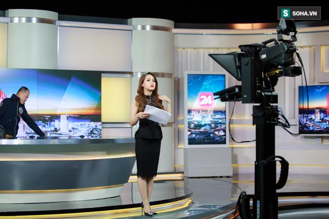 Cận cảnh buổi làm việc cuối cùng của BTV Trúc Mai tại VTV - Ảnh 4.