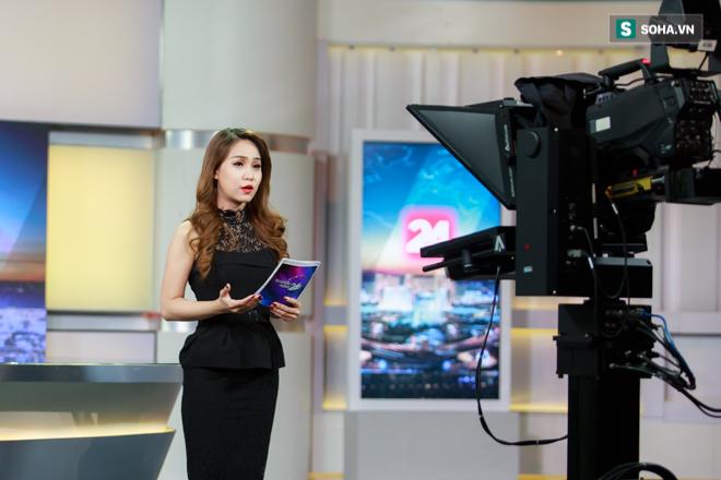 Cận cảnh buổi làm việc cuối cùng của BTV Trúc Mai tại VTV - Ảnh 5.