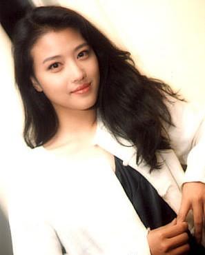 Mỹ nhân Ỷ Thiên Đồ Long ký U50 xinh đẹp như thiếu nữ, sống đời cô độc không chồng con - Ảnh 3.