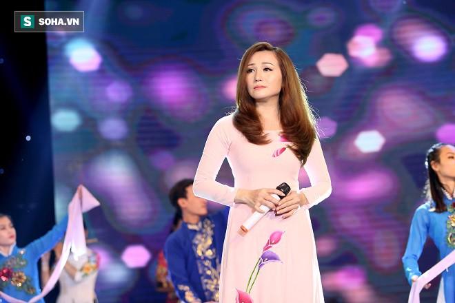 Diva nhạc sến miền Tây Hoàng Châu thừa nhận yêu thầm Lý Hải và không sợ chồng ghen - Ảnh 1.