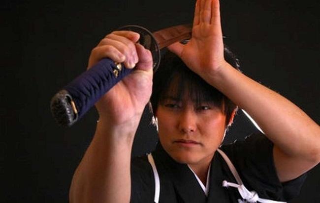 Siêu anh hùng: Bậc thầy kiếm thuật Nhật Bản chém đứt đôi viên đạn đang bay 200 dặm/h - Ảnh 3.